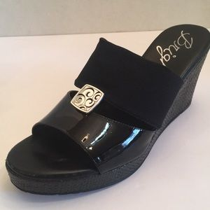 NWOT Brighton wedge sandals